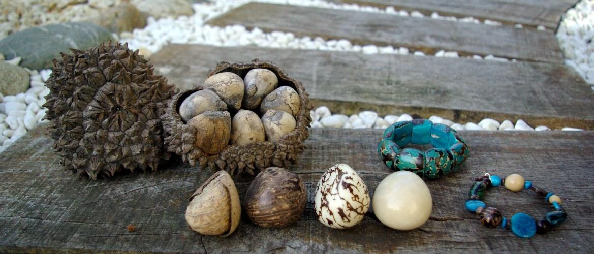 Bijoux et objets déco  en Tagua, ivoire végétal par Kokobelli
