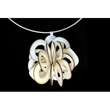 Roses & Fleurs en tagua, ivoire végétal - Collier Rose dentelle - kokobelli