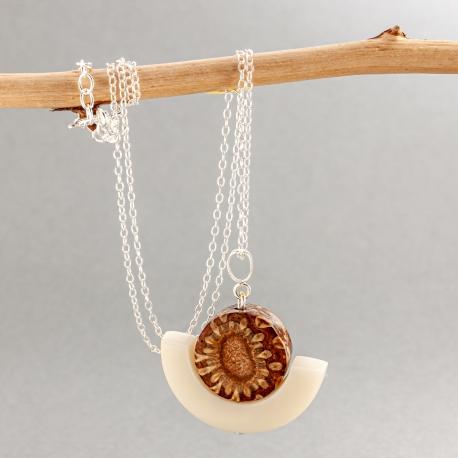 Collection POMME DE PIN en tagua, ivoire végétal - Pendentif Doum - kokobelli