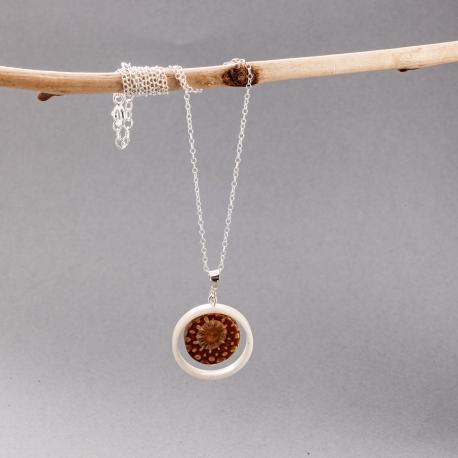 Collection POMME DE PIN en tagua, ivoire végétal - Sautoir tagua et pomme de pin Mini Veneto - kokobelli