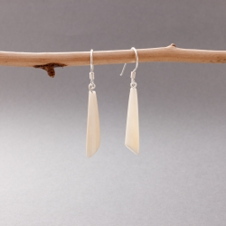 Boucles d'oreilles Petits cônes blancs