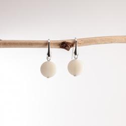 Boucles d'oreilles Perla blanches (plates)