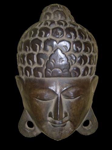 Tête de bouddha en pomme de pin